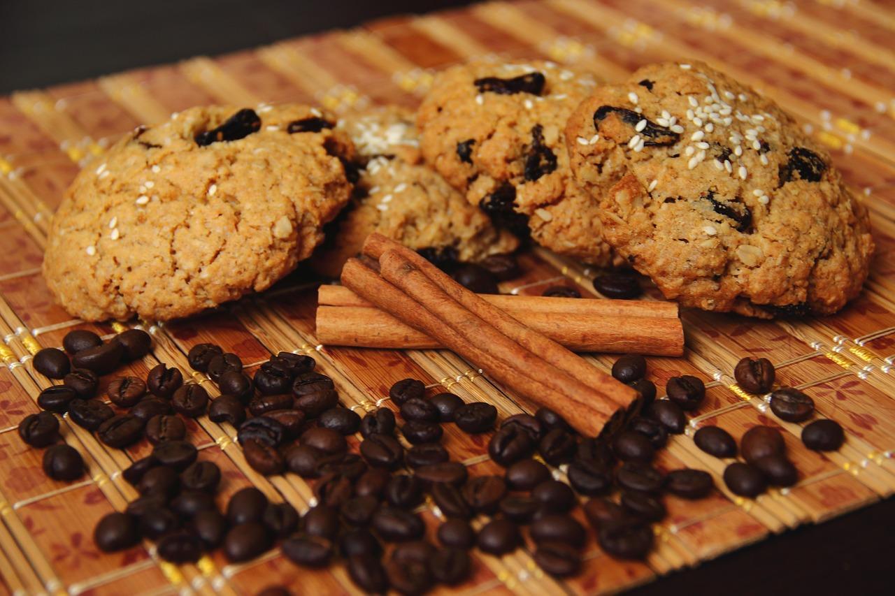 Chrupiące ciasteczka owsiane z dodatkiem miodu rzepakowego