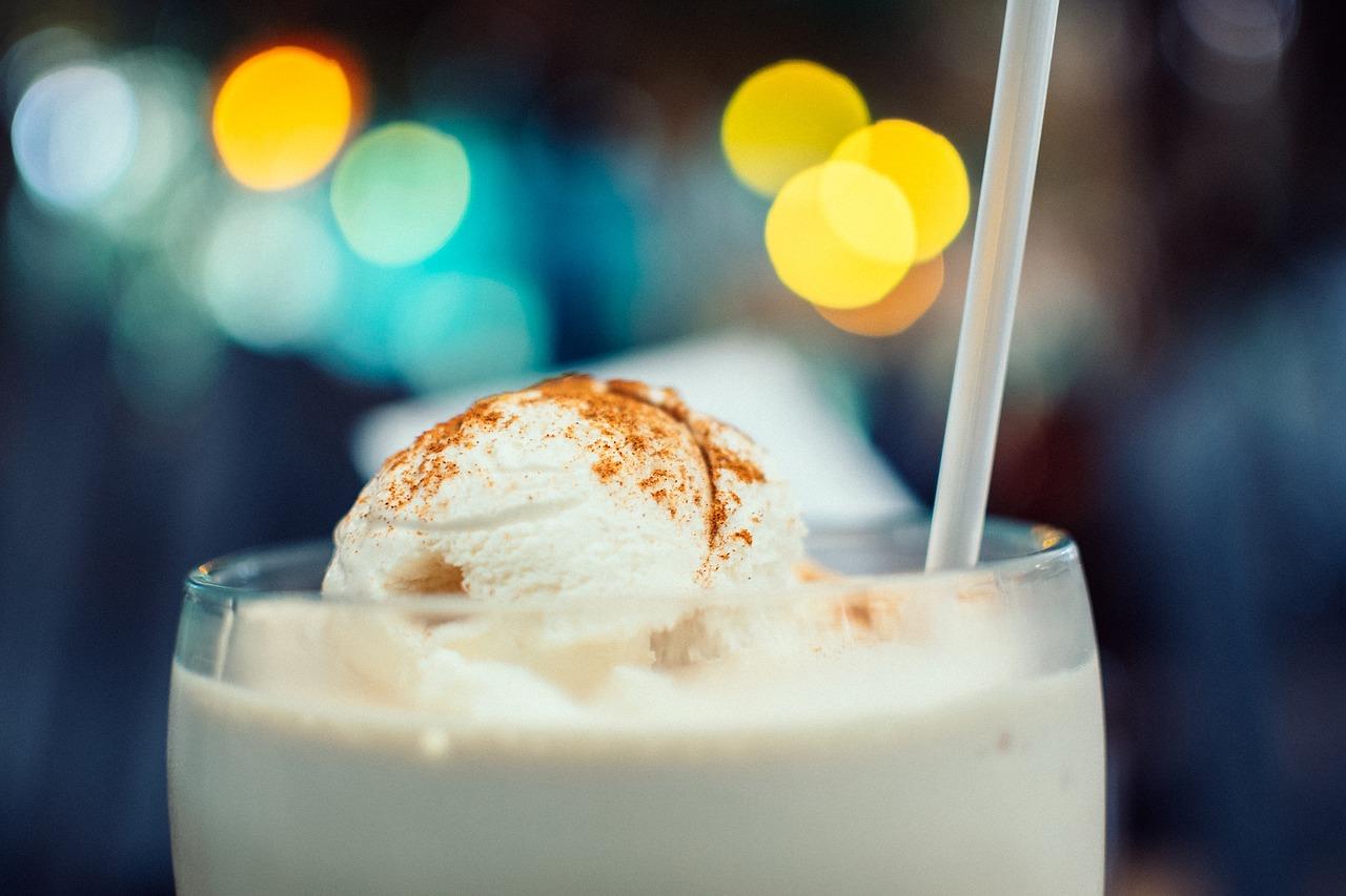 Domowe lody latte matcha
