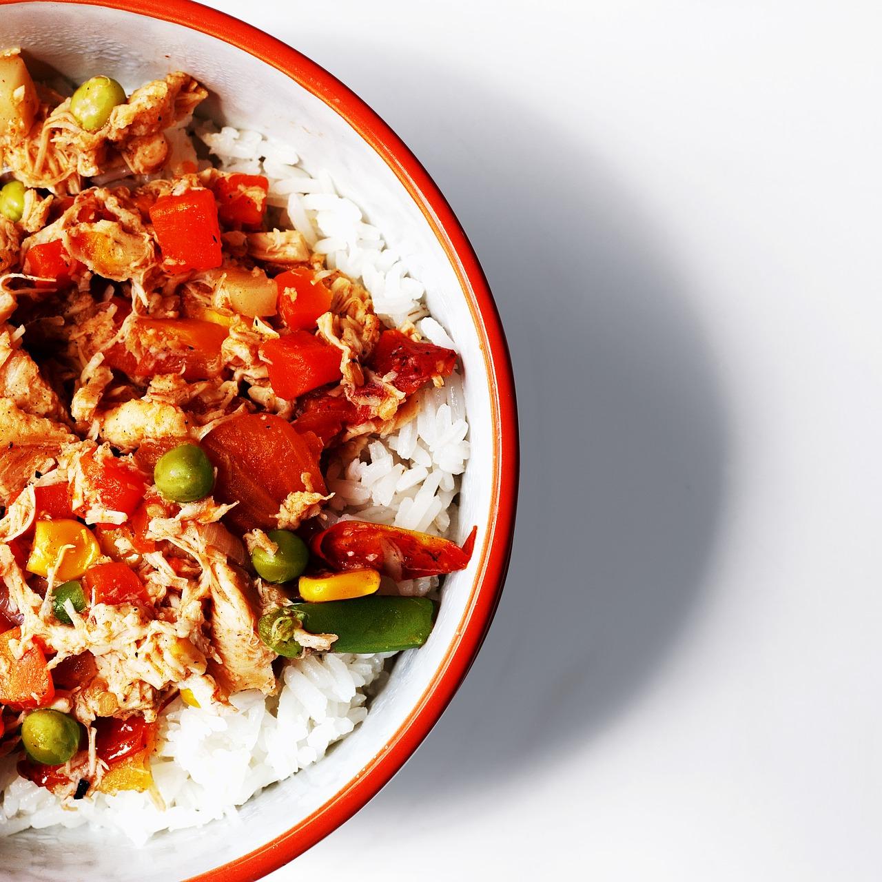 Szybkie danie z kaszą, kurczakiem i warzywami