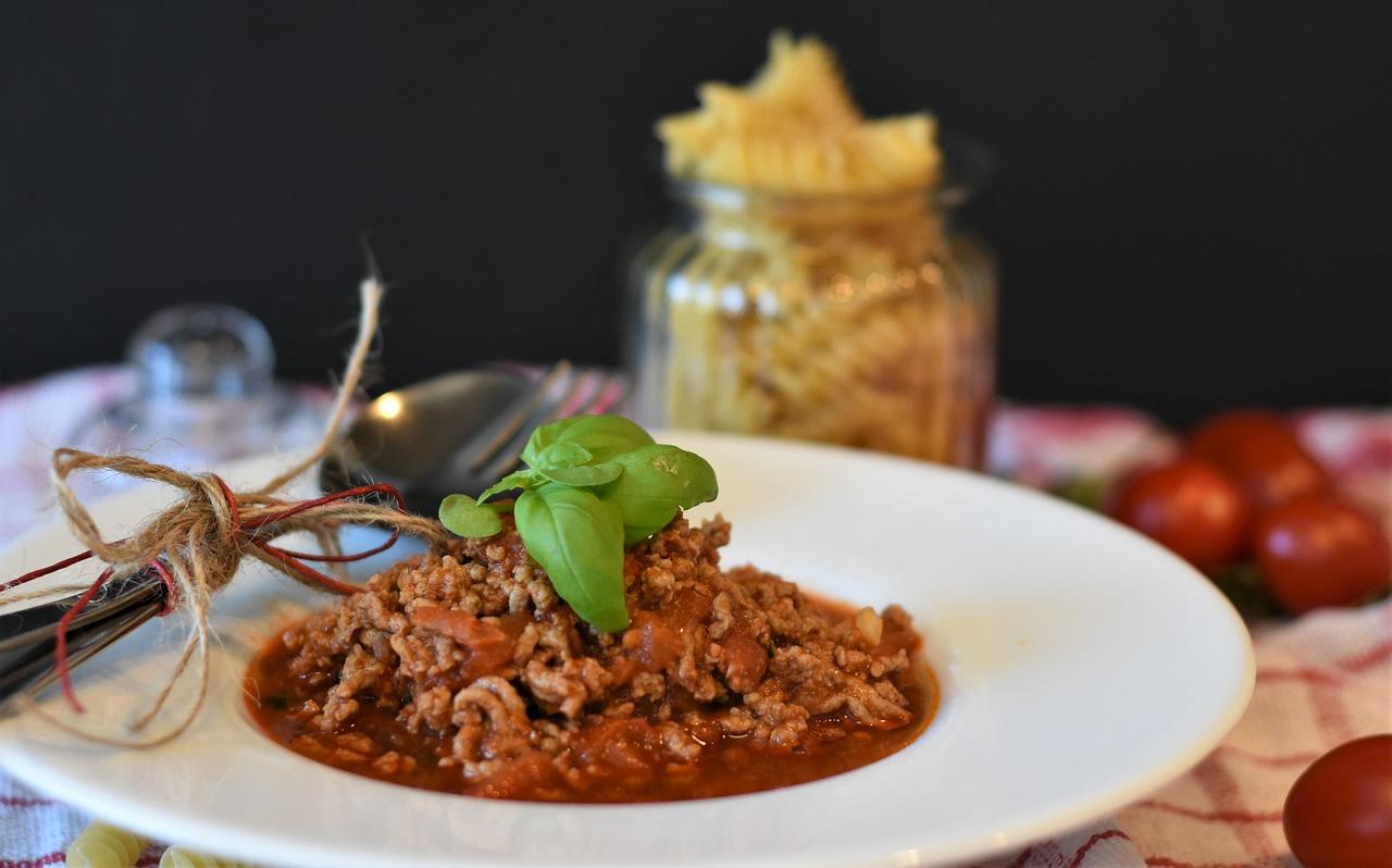 Kasza gryczana z kurczakiem w sosie pomidorowym