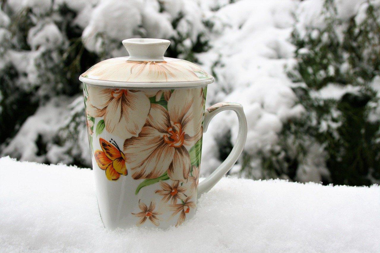 Jak przygotować aromatyczny napój na bazie herbaty rozgrzewającej?