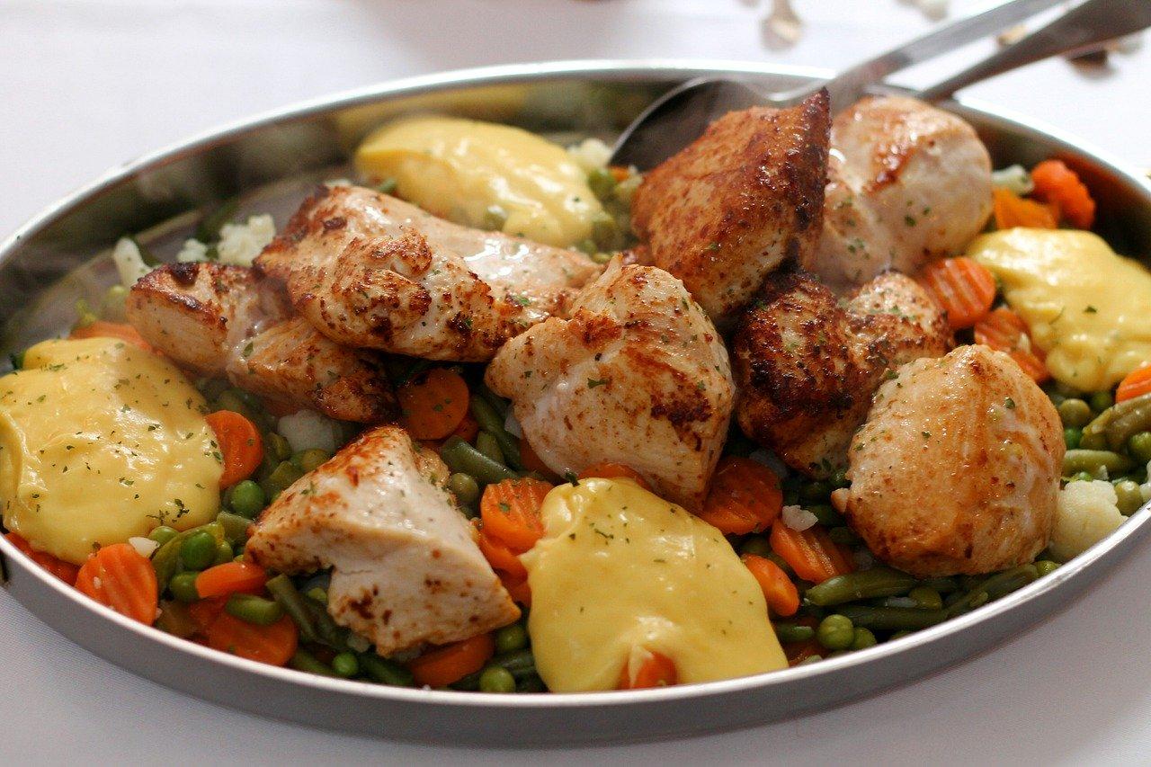 Pyszna pierś z kurczaka z dodatkiem soli himalajskiej