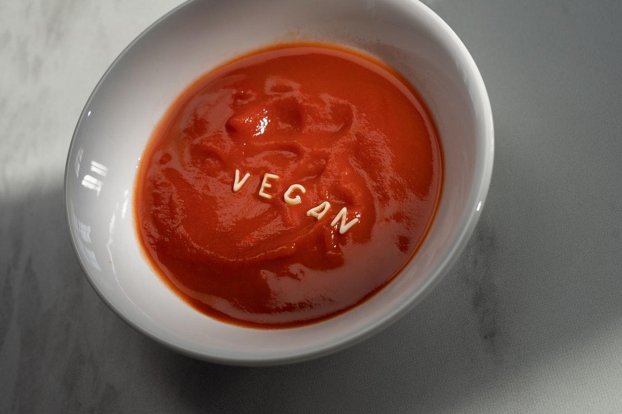 Pasta kanapkowa z kaszy jaglanej i suszonych pomidorów