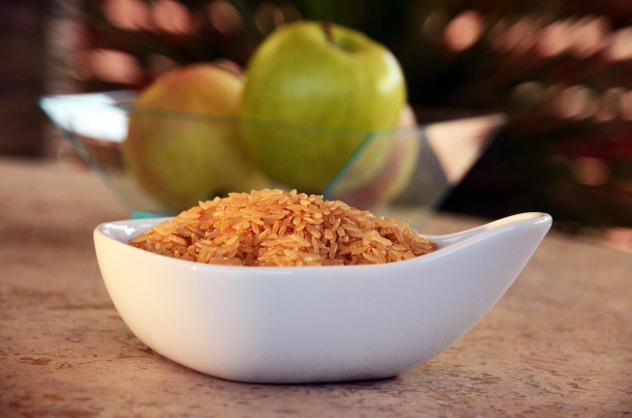 Ryż jaśminowy z jabłkami i cynamonem