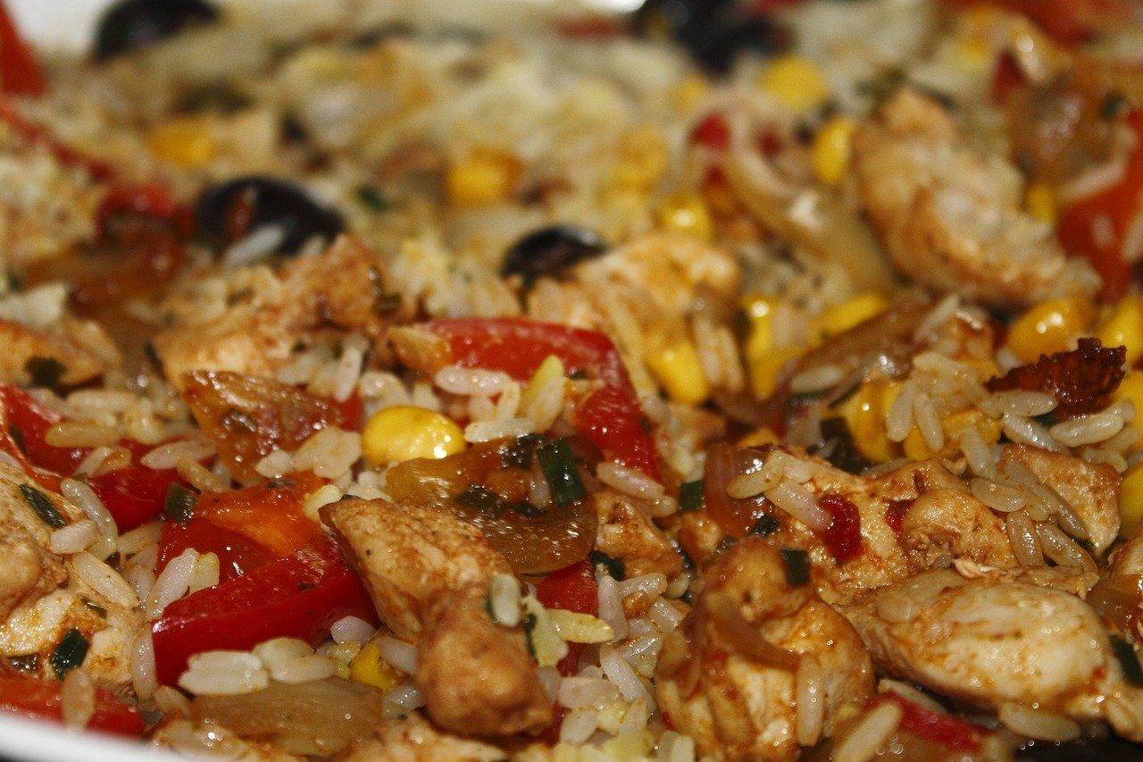 Kurczak orientalny garam masala z ananasem