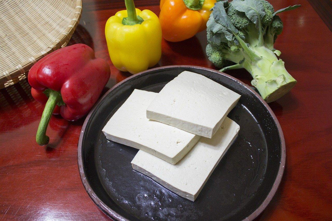 Potrawka z kaszą i tofu