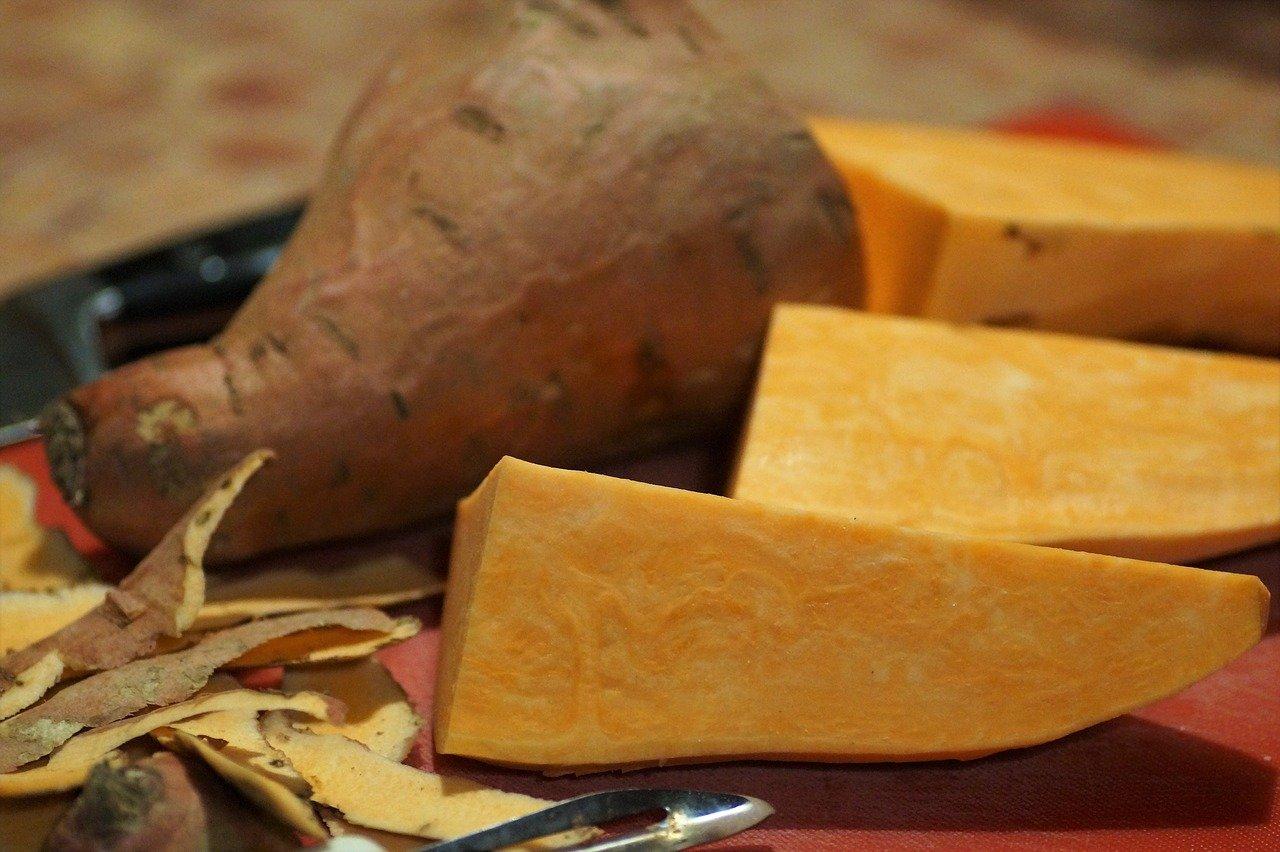 Domowa pasta z pieczonych batatów